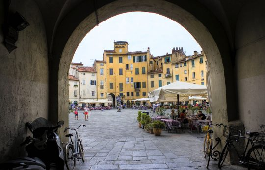 Where in Italy is this piazza located?